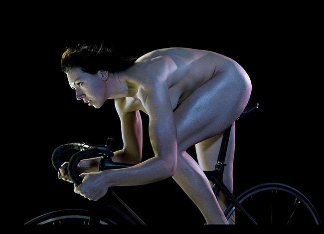 Rebecca Romero cycles nude in Powerade print advertisement